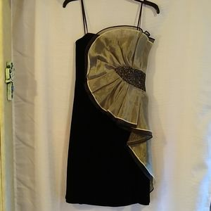 GORGEOUS Betsy & Adam Black Gold Cocktail Dress 10
